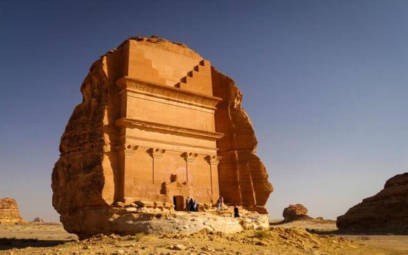 madain-saleh-tombs